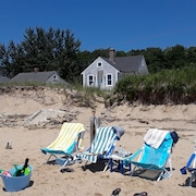 Sandy Beachfront Cottage Wellfleet Bay