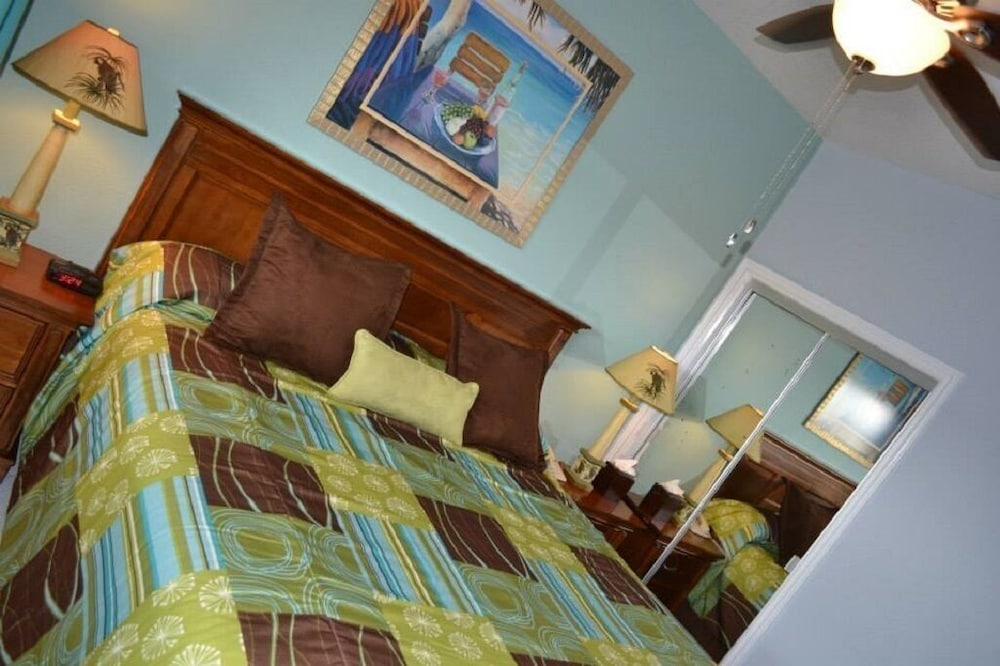 Room, Grand Cayman Beachfront Villa