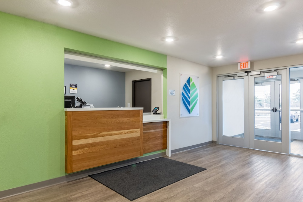 Check-in/Check-out Kiosk, WoodSpring Suites Colton