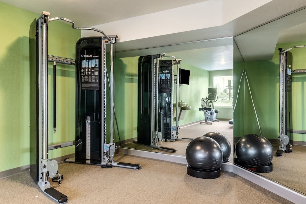 Fitness Facility, WoodSpring Suites Colton