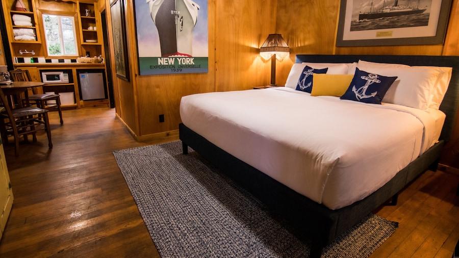 Anchor Inn Resort
