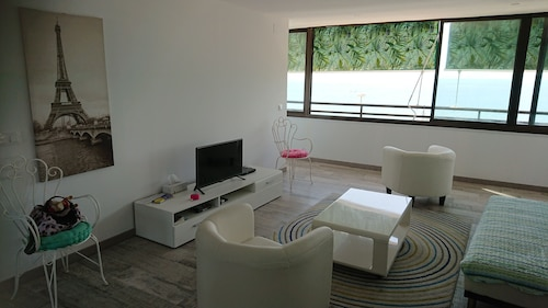 Beautiful Apartment First Line of the Beach of Abufera Alicante