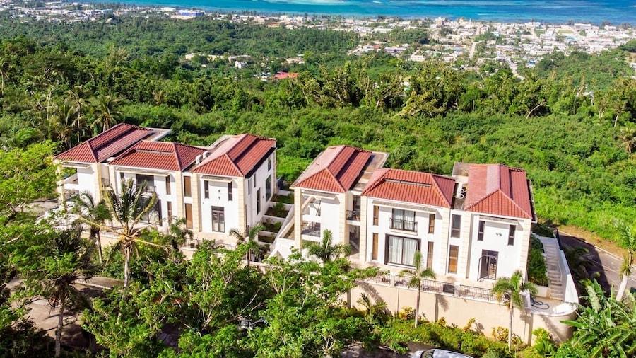 Navy Hill Resort