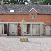 Country Estate - The Stables, Llandenny