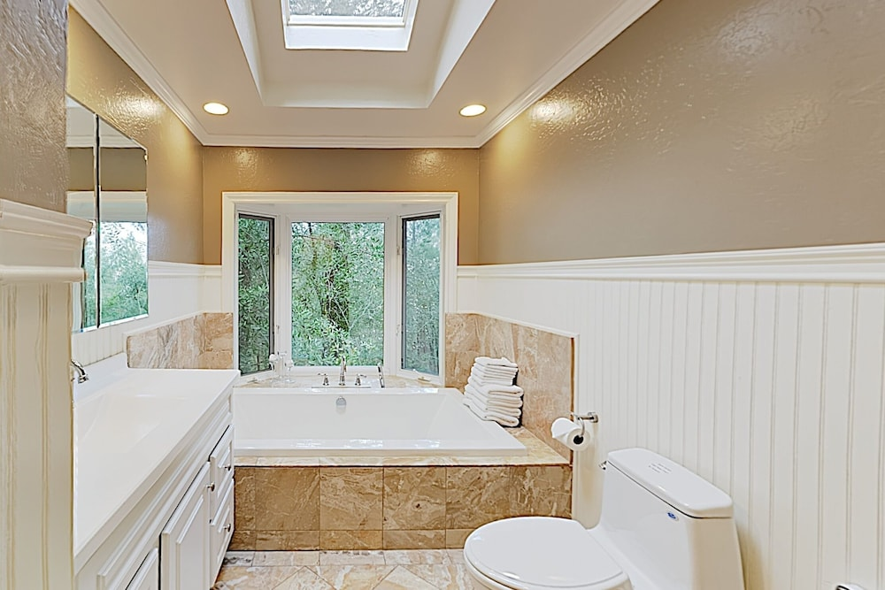 Bathroom, Luxe Vineyard-view Hideaway W/ Swim Spa & Hot Tub 3 Bedroom Home