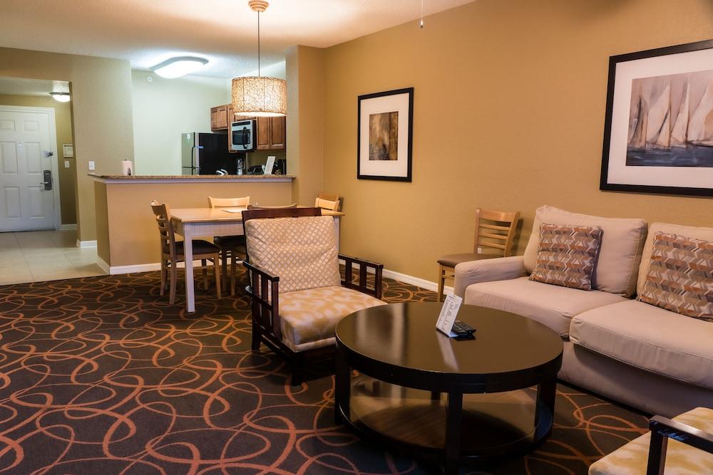 Orlando S Sunshine Resort Orlando Florida 2 Bedroom Suite In Orlando Hotel Rates Reviews On Orbitz