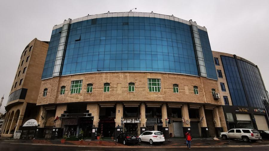 Alfakher Hotel Apartments