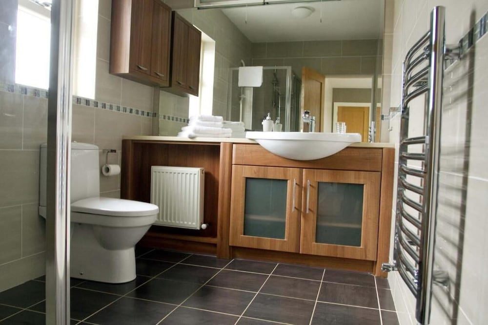 Bathroom, Cahermaclanchy House