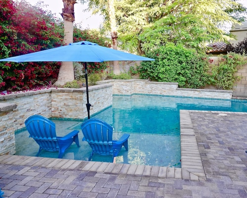 La Quinta Large Home for Snowbirds! 4 bd, Pool! Great Amenities!