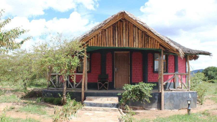 Explore Nature Mara Lodge