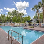 Fully-furnished Condo Just Minutes From UF