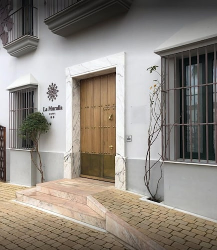Property Entrance, Hotel La Muralla