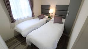 2 bedrooms, bed sheets
