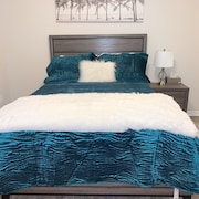 Cozy Queen Bed Free Breakfast by Emory University