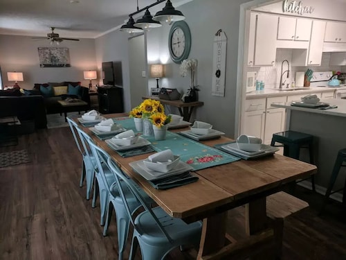 Be Our Guest! Close to Ft Benning-sleeps 6