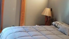 2 bedrooms, in-room safe, Internet, linens