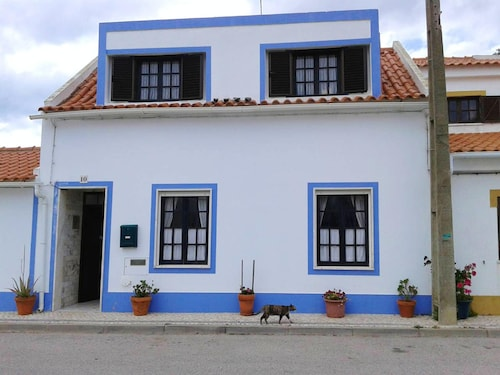 House With one Bedroom in Almograve, With Wonderful sea View, Furnished Terrace and Wifi - 800 m From the Beach