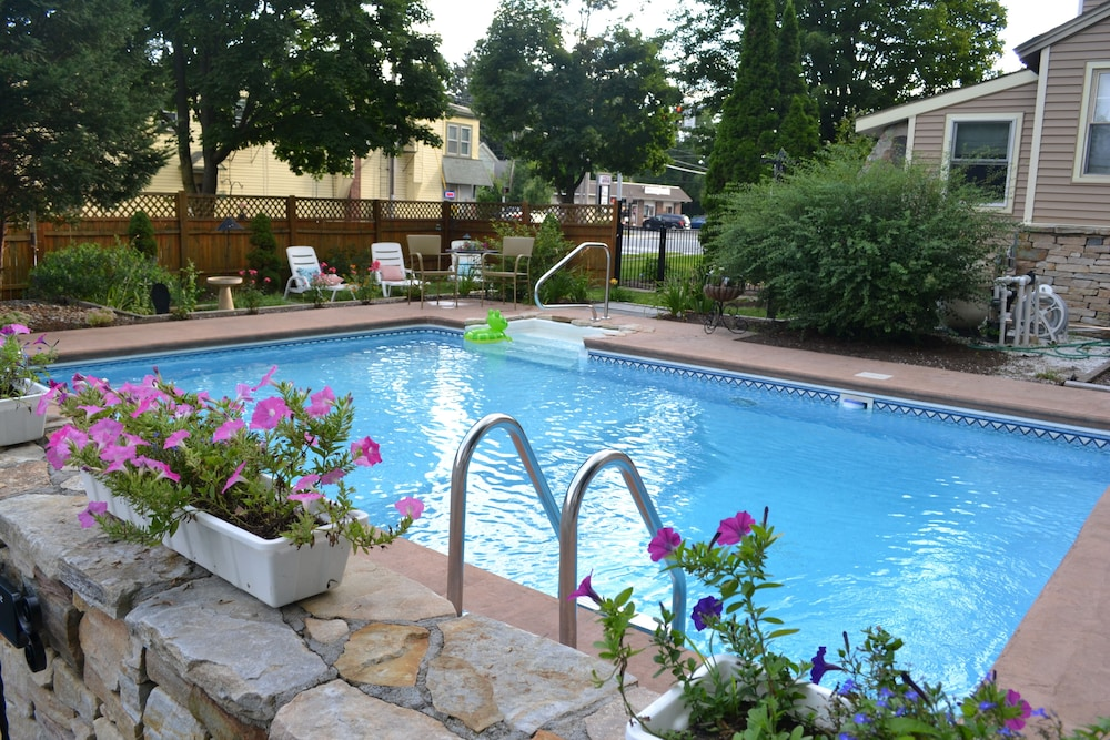 Outdoor Pool, The Bell House Inn