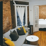 Stay Downtown 2BR + 1bath The Lower East Side