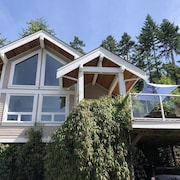 Pender Island Cottage