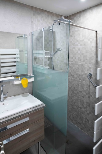 Bathroom, Apartment 55 m² /