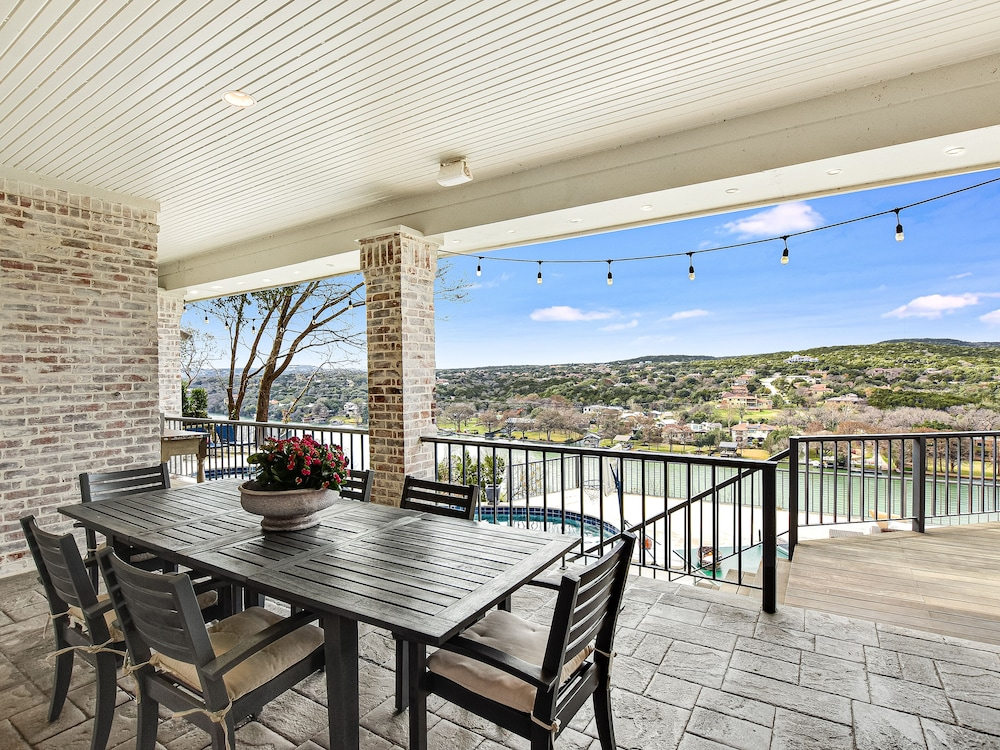 In-Room Dining, Above Vista I View I Pool Spa I 7 Miles ATX I 15 Beds I Gameroom I Private