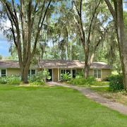 Hidden Lake Sprawling Home on Private Lake With Optional Guest House Close to UF