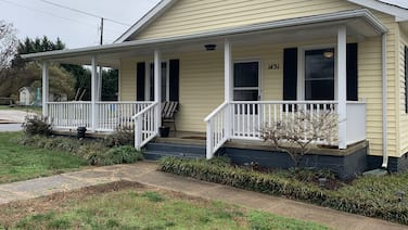 15 Min From CLT Airport! Spacious & Renovated!