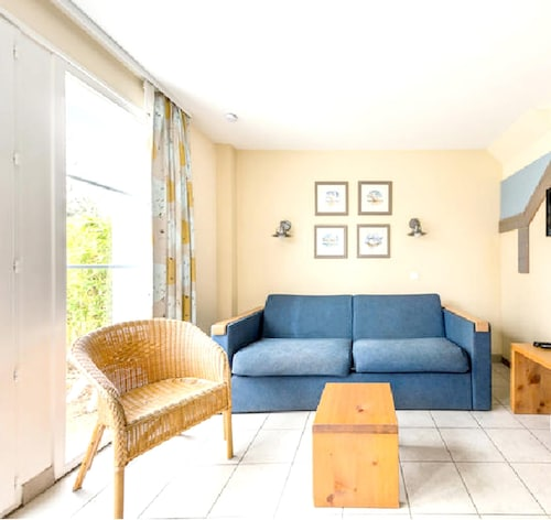 House With 2 Bedrooms in Fort-mahon-plage, With Shared Pool and Furnished Terrace