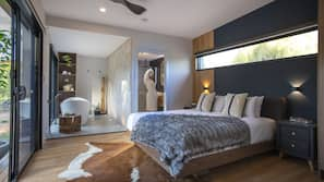 Premium bedding, free minibar, individually decorated