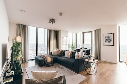 Beautiful, Modern and Elegant Flat With a View