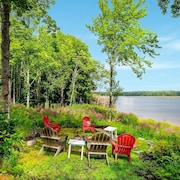 Waterfront On Sheepscot River W/ Large Deck 5 Bedroom Home