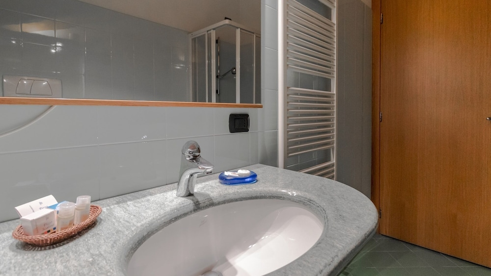 Bathroom, So-c628-bern107c501 - Pizzo Scalino - 501