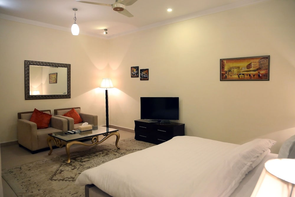 Room, Butterfly Guest House Phase 7 Bahria Town