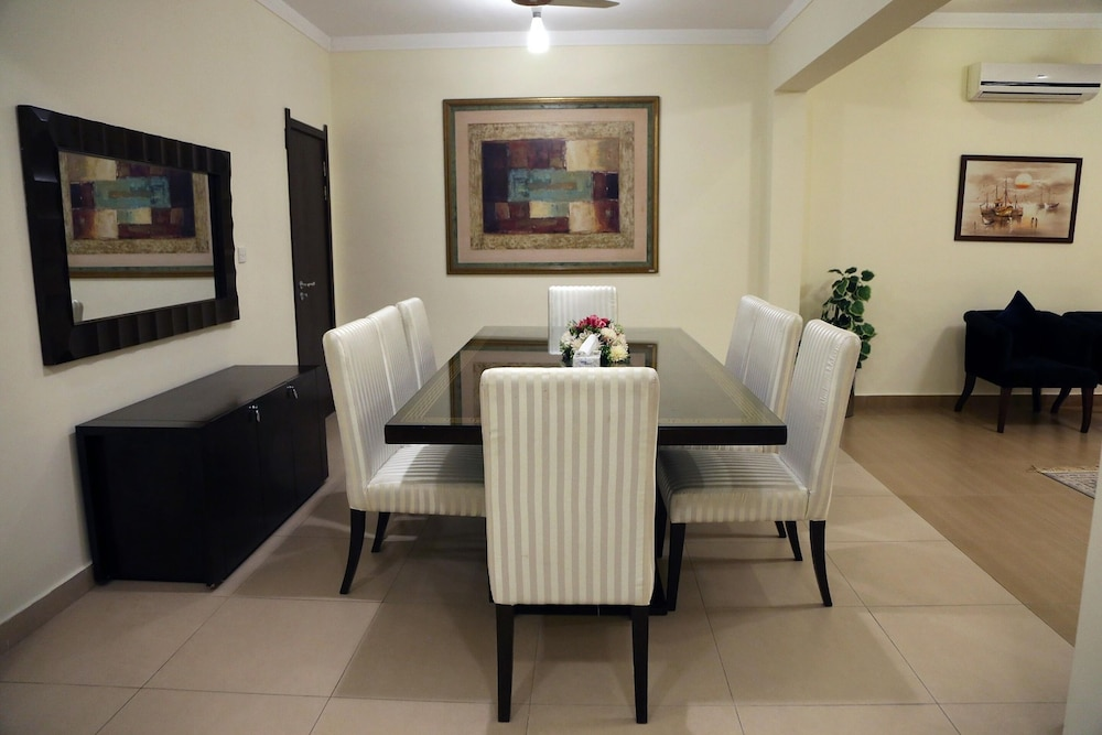 Private Kitchen, Butterfly Guest House Phase 7 Bahria Town