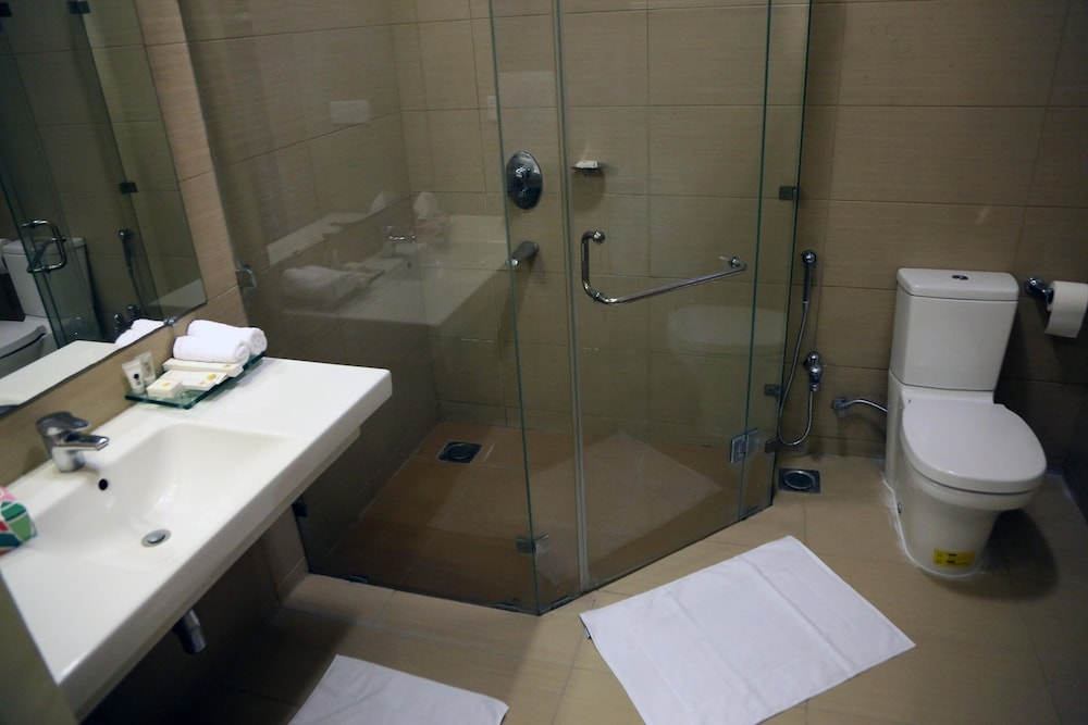 Bathroom, Butterfly Guest House Phase 7 Bahria Town