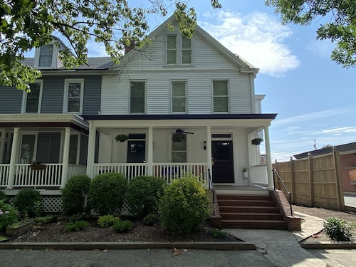 Renovated Victorian Just a Block From the Water in Historic Havre de Grace