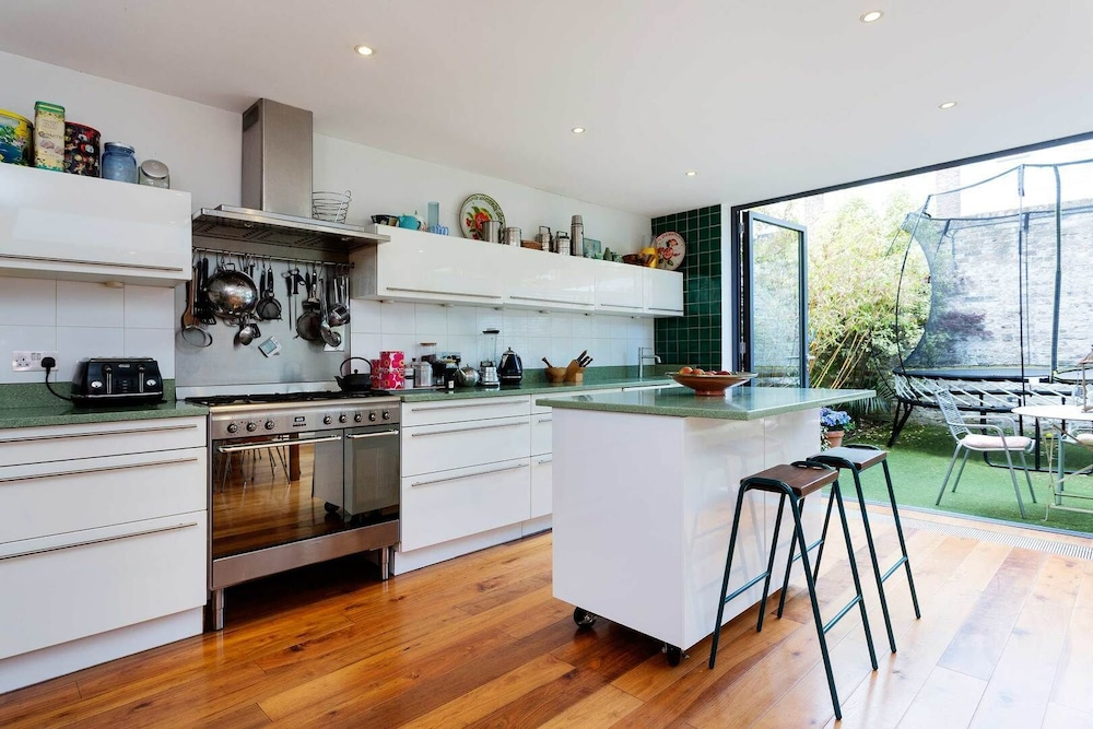 Private Kitchen, Heaven in Highgate