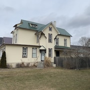 Charming Historic Home Near PSU and fly Fishing Destinations