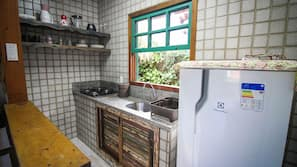 Fridge, hob, toaster, blender