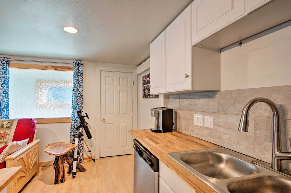 Private Kitchen, New! Cozy Studio <2mi to Heavenly Mountain Resort!