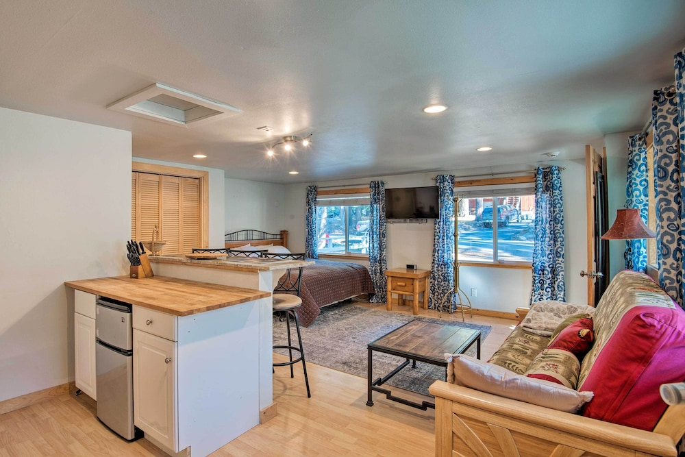, New! Cozy Studio <2mi to Heavenly Mountain Resort!