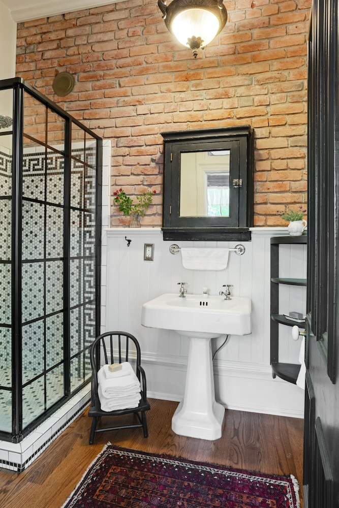 Bathroom, Beautiful & charming Elizabeth Warren Historical home - built in 1886