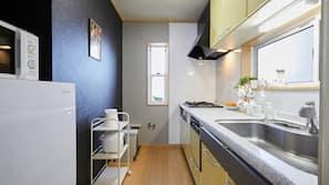 雪櫃、微波爐、爐頭、洗碗碟機