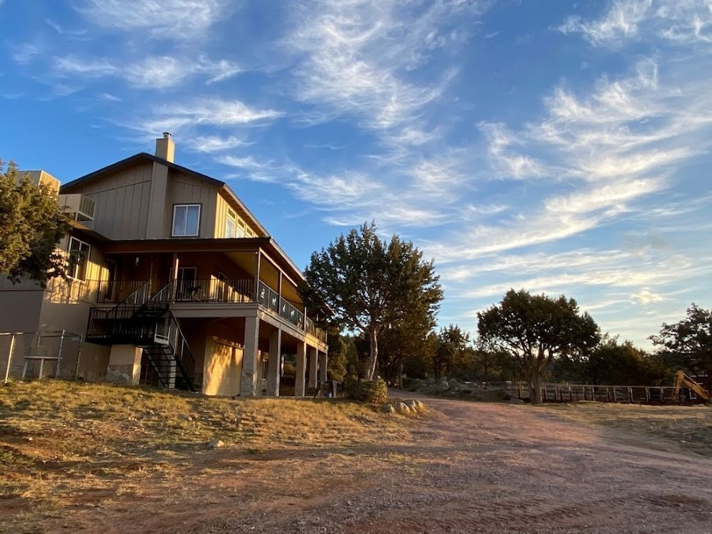 Exterior, B&B Ranch Bordering Natl. Forest, Horses Welcome