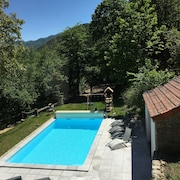 House on the Banks of the Ardèche Swimming Pool Jacuzzi in a Peaceful Setting