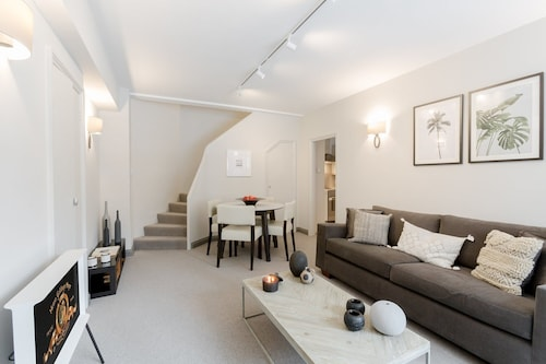Immaculate Apartment in Sloane Square