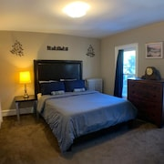 Cozy Stay Minutes Away From Downtown!
