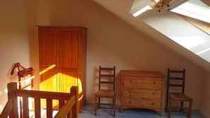 1 chambre, fer et planche à repasser, accès Internet