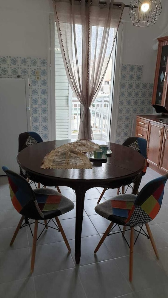 Private Kitchen, Lovely Flat Near Port! Few Min From City Center